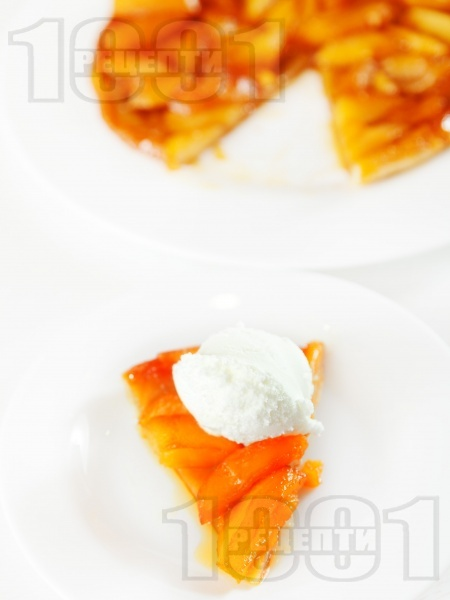 Тарт татен - бърз сладкиш с бутер тесто и ябълки - снимка на рецептата